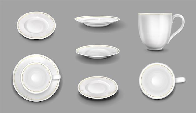 골드 테두리, 현실적인 3d 세라믹 머그잔 및 접시 상단 및 측면보기와 흰색 접시와 컵. 빈 도자기 식기, 음식과 음료를위한 칼 붙이, 벡터 일러스트 레이 션, 고립 된 아이콘 세트