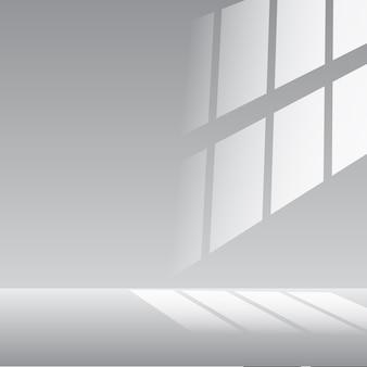 右から光が差し込む白い部屋の空のインテリア