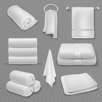 하얀 수건. 아름다운 신선한 호텔 욕실, 주방 또는 해변에 쌓인 수건, 롤 및 교수형, 부드러운 면 고급 직물 위생 용품, 현실적인 벡터 모형