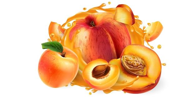 Целые и нарезанные персики и абрикосы в брызгах сока.