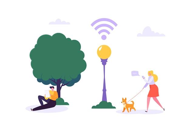 Wi-fi в парке с гуляющими людьми, использующими смартфон и планшет. концепция социальной сети с персонажами с мобильными гаджетами.
