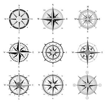 風配図セット。旅行アドベンチャーセーリング航海ローズ目的地方向矢印古い地図のナビゲーションシンボルをベクトルします。イラスト旅行コンパス風配図