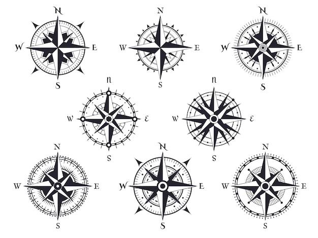 바람 장미. 북쪽, 남쪽 및 서쪽, 동쪽 포인터가있는 빈티지 나침반. 지도 제작 해양 복고풍 세트.