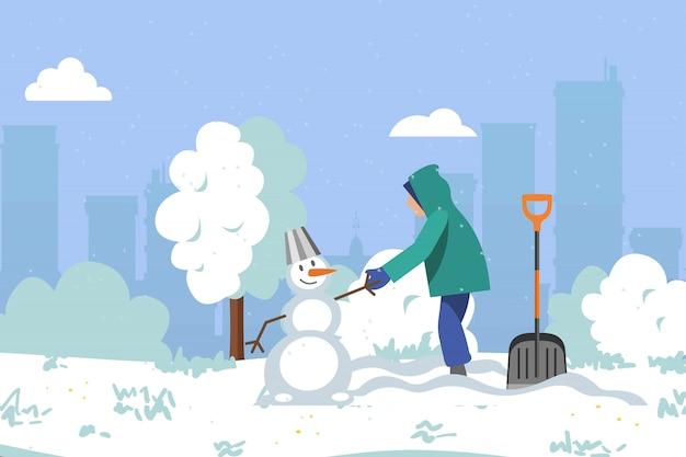 공원 주위의 겨울, 많은 눈, 아이들은 눈사람, 아름답고 밝고 깨끗한 강설량, 만화 그림을 만듭니다.