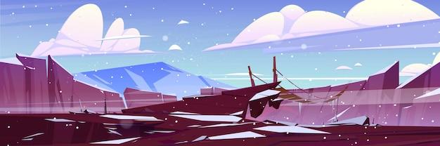 山の吊橋のある冬の風景