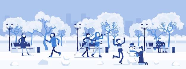 冬季パークゾーン。雪の中にある広い公共の庭、土地、楽しみ、レクリエーション、市民は野外活動を楽しんだり、散歩したり、スキーをしたり、雪だるまを作ったり、雪だるまをしたりします。ベクトルイラスト、顔のない文字