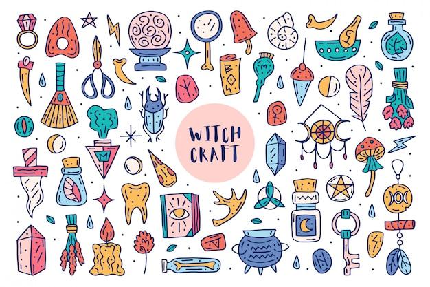 마법 귀여운 낙서 손으로 그린 큰 클립 아트, 디자인 요소, 아이콘, 스티커 세트. 화려한 디자인. 흰 배경에 고립. 다른 마녀 마술 직원 약초, 장비, 성분.