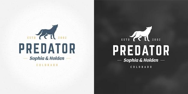 Волк логотип эмблема векторные иллюстрации силуэт для рубашки или печати штамп. винтажный значок типографии или дизайн этикетки.