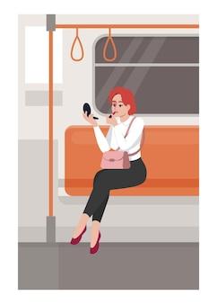 女性は電車のセミフラットベクトルイラストで口紅を適用します。公共交通機関で化粧品を持っている女性。実業家は通勤に座っています。商用利用のためのメトロパッセンジャーの2d漫画のキャラクター