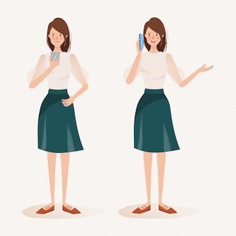 携帯電話を使用して女性キャラクター。ソーシャルメディアネットワーク通信の動向