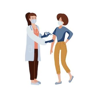 保護用医療マスクと注射器を保持し、若い女性患者に注射を行う制服を着た女性医師。ワクチン接種、covid-19コロナウイルスワクチンのコンセプト。