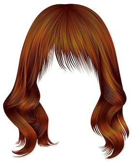 Женщина длинные волосы красного цвета.