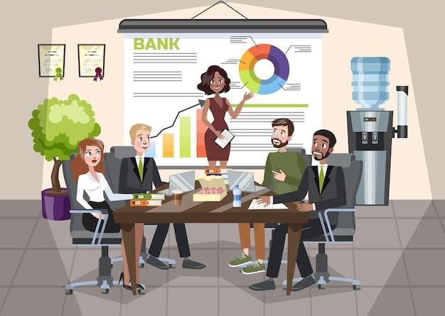 Женщина делает бизнес-презентацию перед группой людей