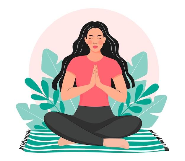 女性は自然の中で瞑想しますヨガ瞑想リラクゼーションリラクゼーションの概念図