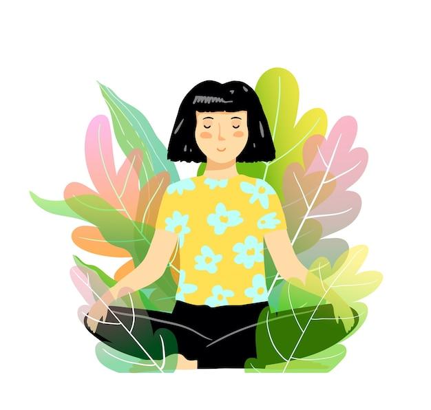 Женщина медитация и йога на природе, сидя в позе лотоса в кустах или деревьях.