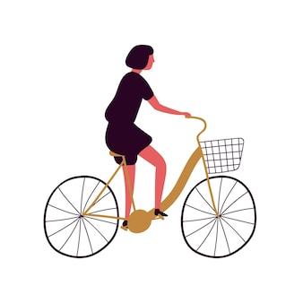 バスケットフラットベクトルイラストと自転車に乗る女性。都市車両の中年女性。レトロなエコ輸送に乗る女性の漫画のキャラクター。白い背景で隔離の市内旅行。