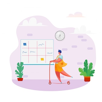 Женщина верхом скутер в открытом офисе с доской канбак.