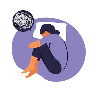 여자는 불면증 스트레스로 고통 받고 있습니다. 그녀는 침대에 누워 생각합니다. 우울증, 불면증, 좌절, 외로움, 문제의 개념 삽화. 평면 벡터입니다.