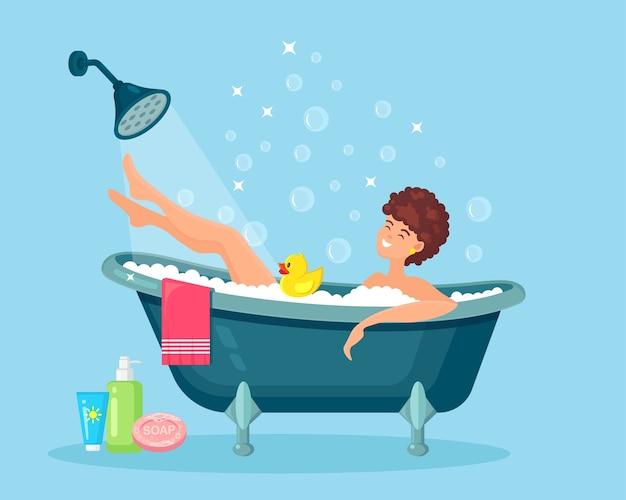 女性はお風呂に入ります。