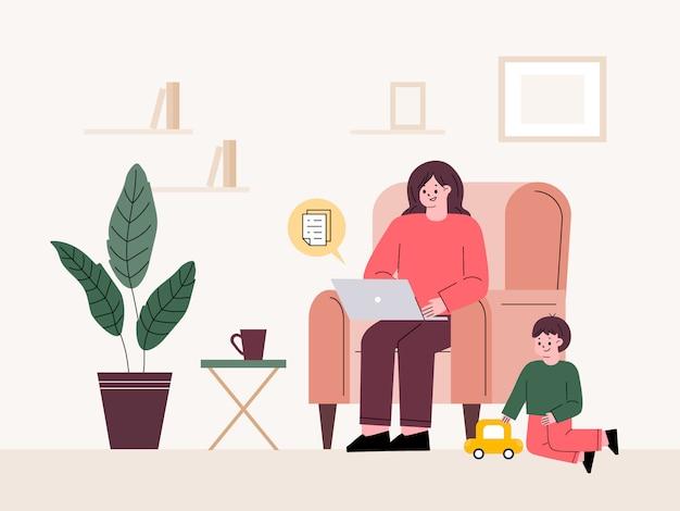 Женщина дистанционно на дому. работая, заботясь о ребенке. фрилансер, родительский отпуск.