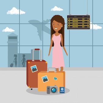 Женщина путешественник в аэропорту