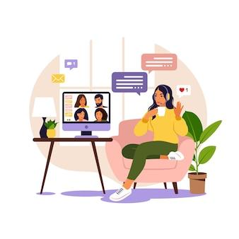 集合的な仮想会議やグループビデオ会議にコンピューターを使用している女性。オンラインで友達とチャットしているデスクトップの男。ビデオ会議、リモートワーク、技術コンセプト。