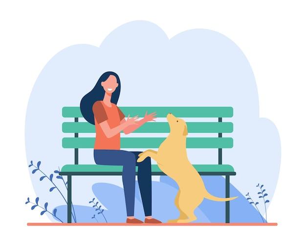 공원에서 여자 걷는 개. 밖에 서 그녀의 애완 동물을 가지고 노는 소녀. 만화 그림