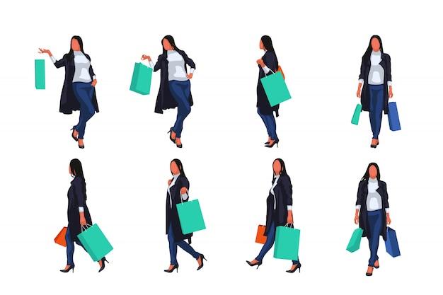 セットのバッグを持つ女性
