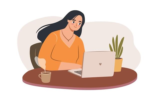 ノートパソコンを持っている女性は、カップと植物を持って自分の机で働いています権限を与えられたビジネスウーマンまたはフリーランサー