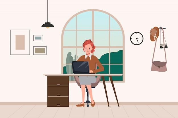 女性は自宅の窓に座っている間、自宅で仕事します。家にいて、新しい通常のライフスタイルを。