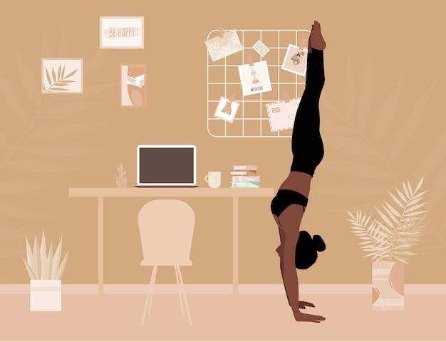 Асана йоги женщины и стойка на руках. занимаюсь спортом дома. девушка занимается фитнесом в плоском стиле