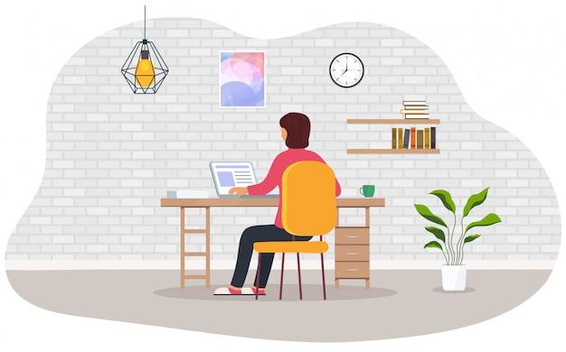 Работа на дому. женщина работает на ноутбуке дома. концепция самозанятых людей, дистанционное обучение онлайн.