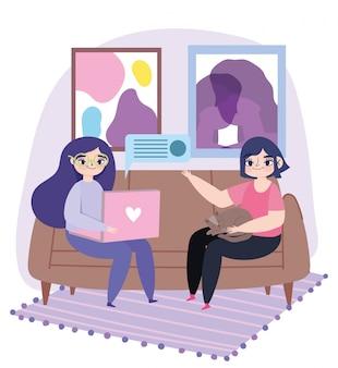ラップトップを持つ若い女性とソファのイラストの猫を持つ少女