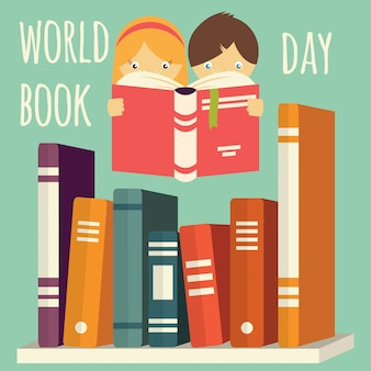 世界本の日、女の子と男の子の棚の上の本のスタックを読んで