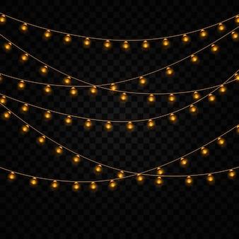 Желтые огни изолированные реалистичные элементы на прозрачном фоне. набор золотых рождественские светящиеся гирлянды. огни для xmas holiday дизайн поздравительных открыток. гирлянды, праздничные украшения.
