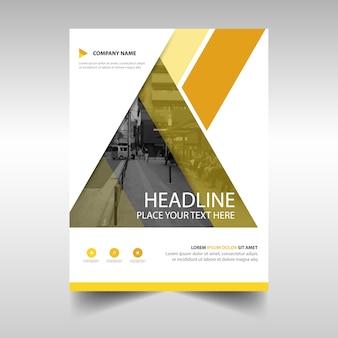 Modello di copertina del libro annuale creativo giallo