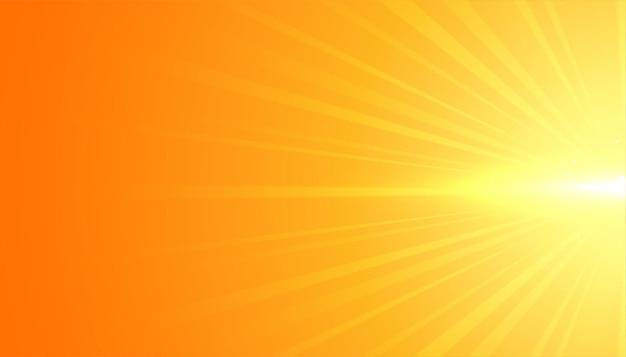플레어 광선 효과와 노란색 배경