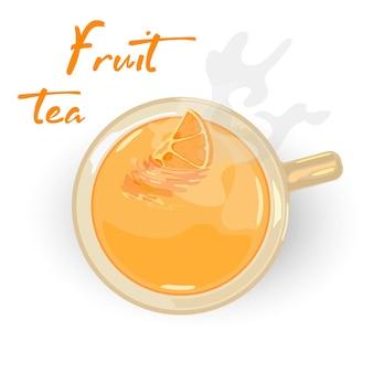 Желтый фруктовый ароматный чай с долькой апельсина в керамической чашке