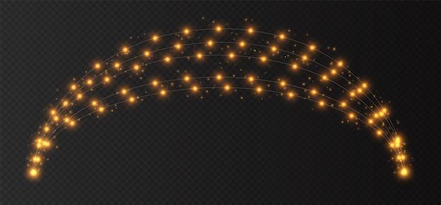 노란색 갈 랜드 아치, 크리스마스 조명 어두운 투명 배경에 고립. 전구와 크리스마스 장식입니다.