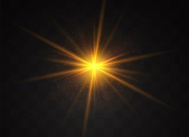 투명한 배경에 노란색 빛나는 빛이 폭발합니다. 반짝이는 마법의 먼지 입자. 밝은 별. 투명한 빛나는 태양, 밝은 플래시. 반짝임.