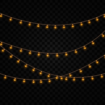 Желтые огни изолированные реалистичные элементы на прозрачном фоне. набор золотых светящихся гирлянд. огни для праздника дизайн поздравительных открыток. гирлянды, праздничные украшения.