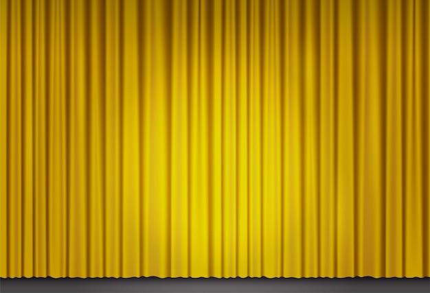 劇場や映画館の黄色いベルベットのカーテン。グランドオペラの閉じたステージカーテンに光のスポットとベクトルの背景。サーチライトに照らされた金色の布製ドレープ