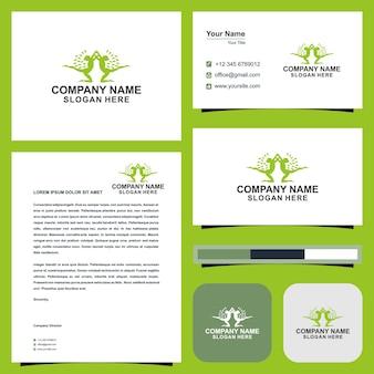 Идеи логотипа йоги и визитная карточка premium векторы