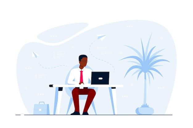 Молодой черный деловой человек, работающий на ноутбуке за столом в офисе. плоский стиль иллюстрации