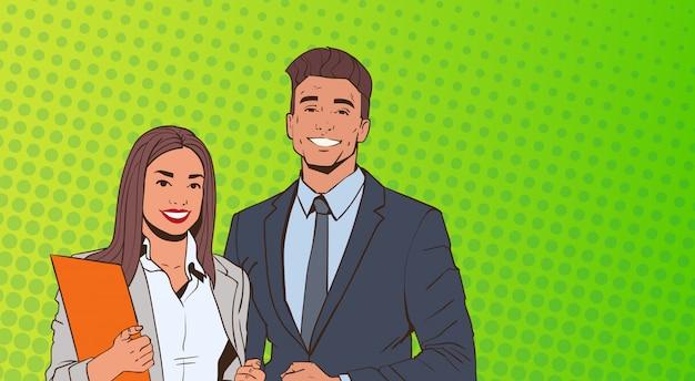 Молодой бизнес мужчина и женщина над поп-арт красочный фон в стиле ретро