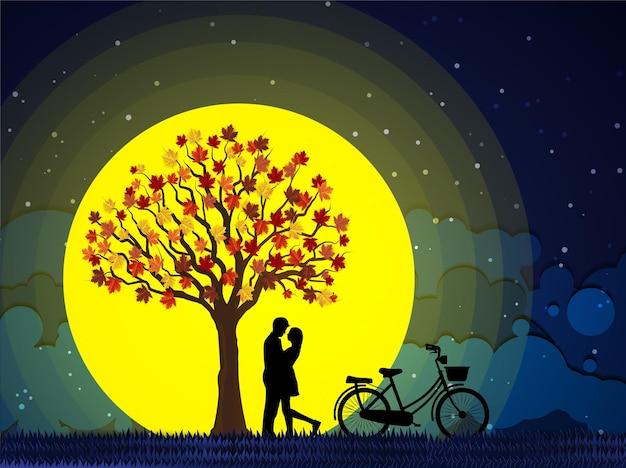 발렌타인 데이에 데이트하는 젊은 부부 남자는 밤 보름달에 여자와 결혼을 제안하기 위해 무릎을 꿇고