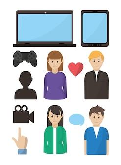 Молодая пара играет в видеоигры онлайн