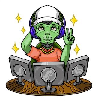 若い緑のエイリアンプログラマーはコンピューターを使用します。漫画のキャラクター、白い背景で隔離されました。