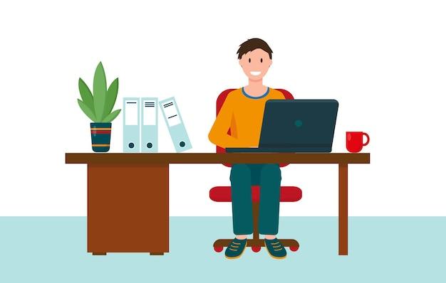 Молодой человек, работающий дома или в офисе. рабочее место с письменным столом и компьютером. домашний офис, внештатный или онлайн-рабочий концепт.