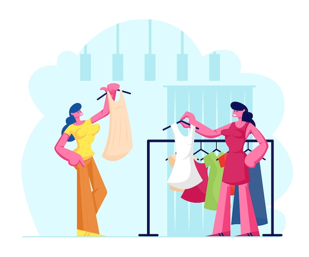 店で昔ながらのドレスを選ぶ若い女性、セールスウーマンアシスタントはハンガーの近くに立っている新しいコレクションの衣服を提供します